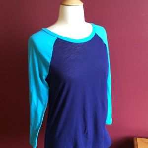 Pink blue and turquoise baseball tee Sz xs